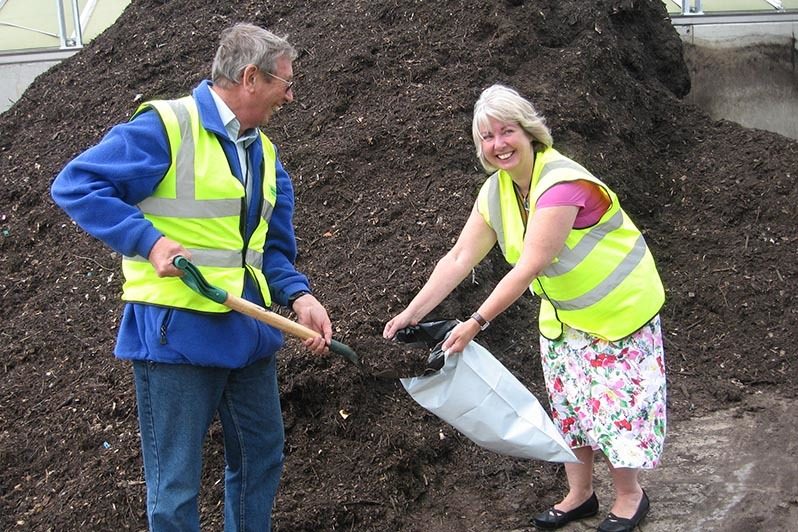 Agrivert donate compost to local community